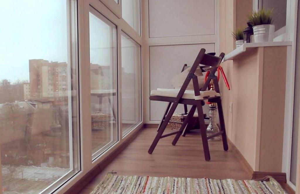 Французский балкон и панорамное остекление в хрущевке - 22 фото
