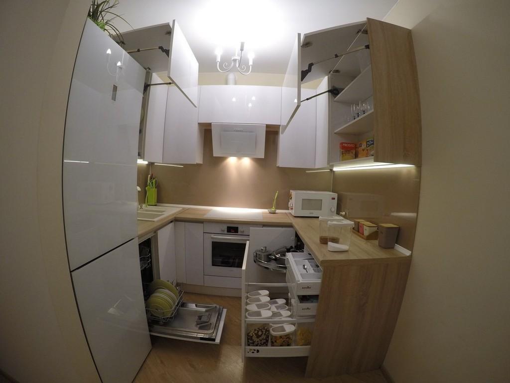 Натяжной потолок на кухне в хрущевке - 26 реальных фото