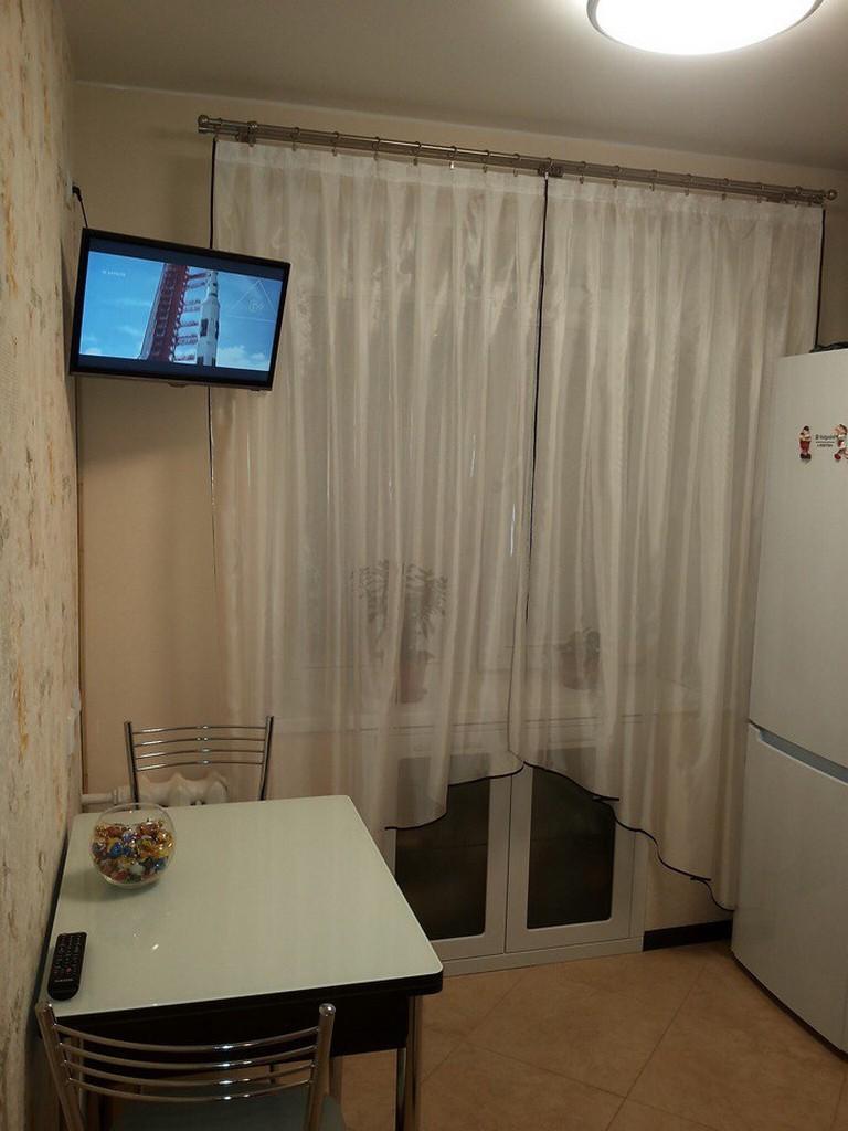 24 фотоидеи размещения телевизора на кухне в хрущевке