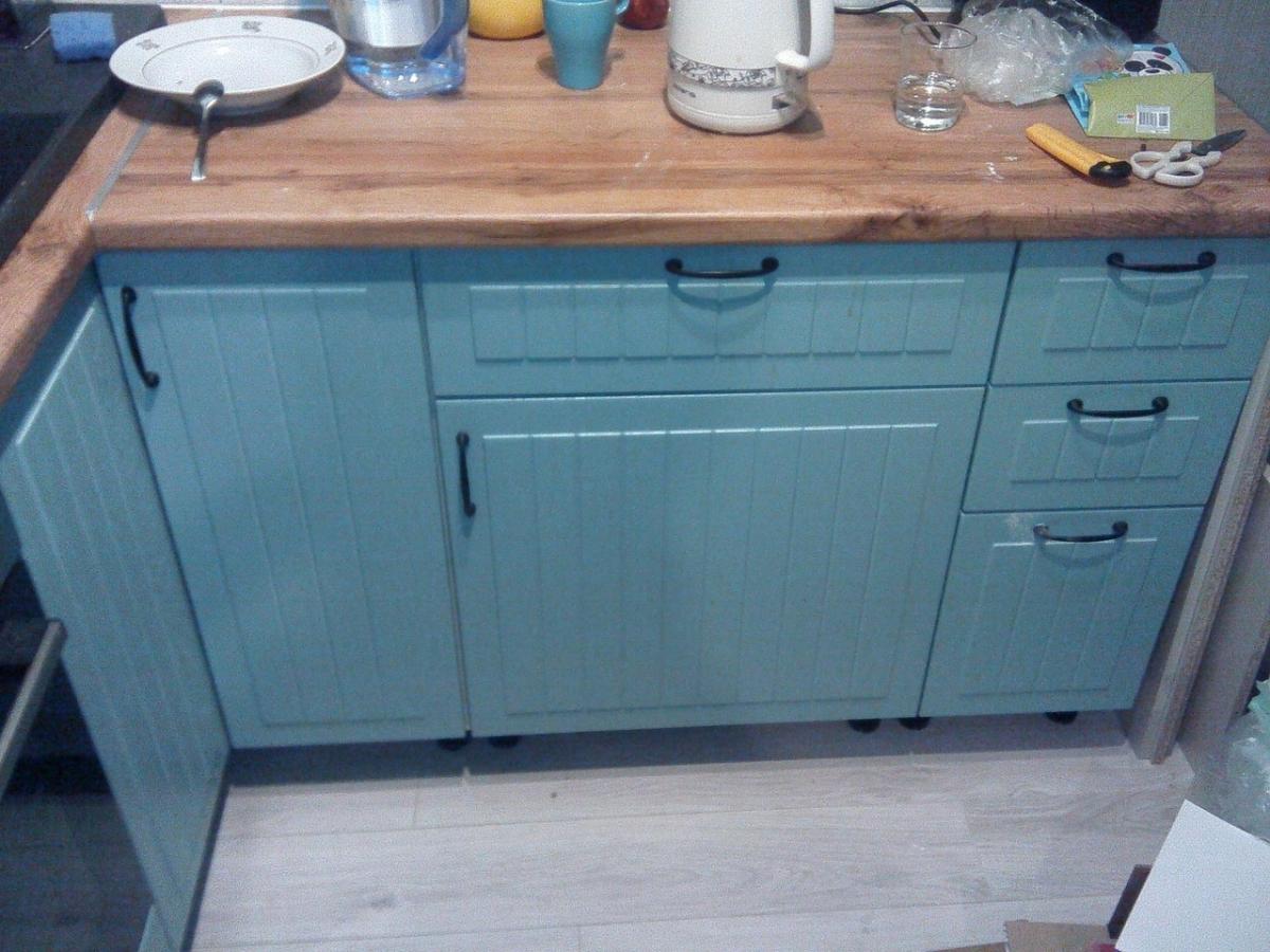 Как настольную посудомойку встроить в шкаф? Решение для небольшого гарнитура