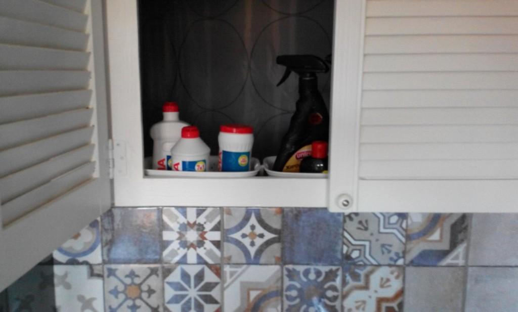 Как заделать окно между кухней и ванной в хрущевке: 25 фото лучших идей