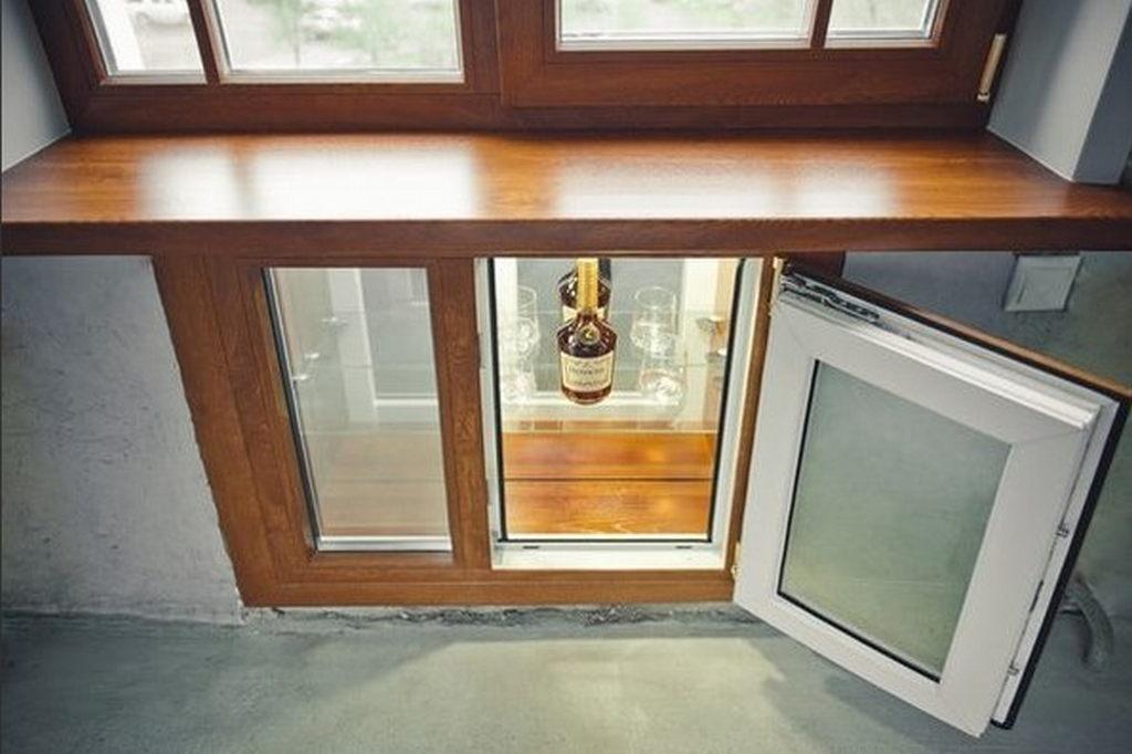 Холодильник под окном в хрущевке: 35 фото с идеями отделки